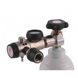 Kompaktdruckminderer mit DIN-Kupplungsanschluss und Flowmeter